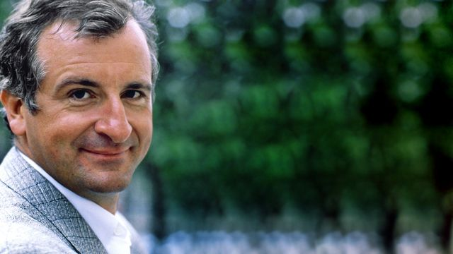 figure-douglas-adams-wallpaper-hd1