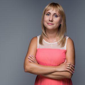 Олена Маркова