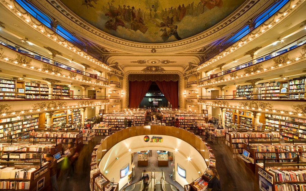 AE3NNN Buenos Aires. Mega bookstore El Ateneo. Converted Theater Grand Splendid, now the largest bookstore of Latin America.